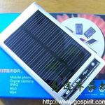 **充 银色 新款2600mAh单晶硅太阳能充电器