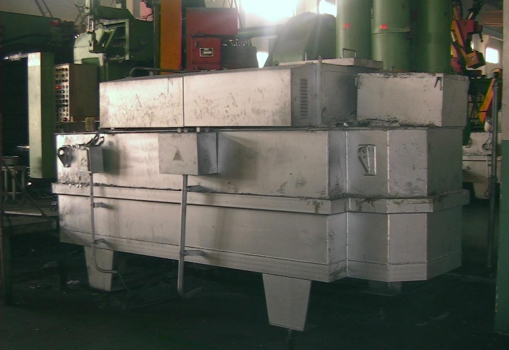 高效节能型池式电加热保温炉